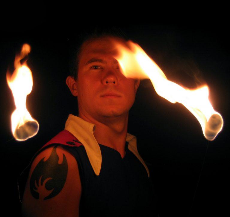 Janne Mustonen ja tulishow